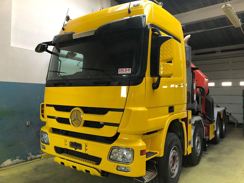 Renowacja samochodu ciężarowego - holownik Mercedes